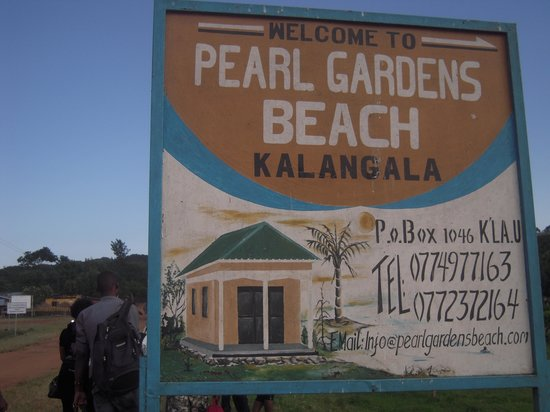 Kalangala, Oeganda: pearl gardens sign post