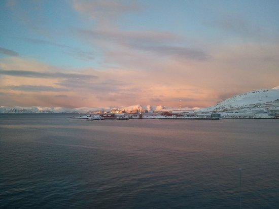 Scandic Hammerfest: As the sun rises