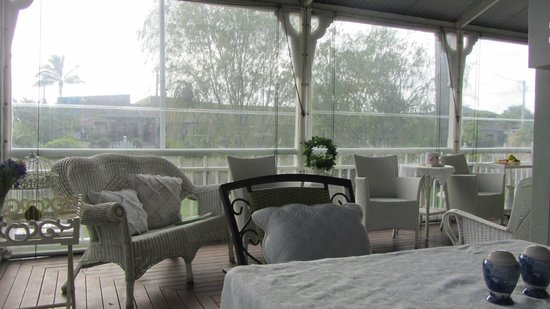 Inglebrae B&B: The outdoor sitting area