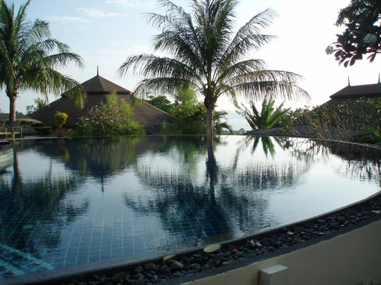 Mangosteen Resort & Ayurveda Spa: Pool view with our cottage in background