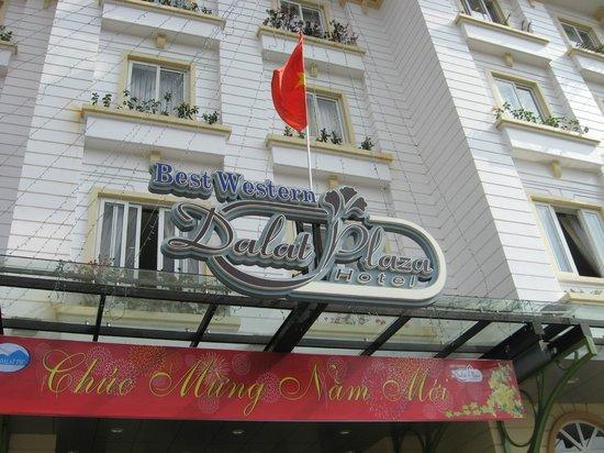 Dalat Plaza Hotel: Hotel Front
