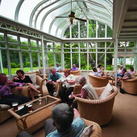 Abingworth Hall: Lounge