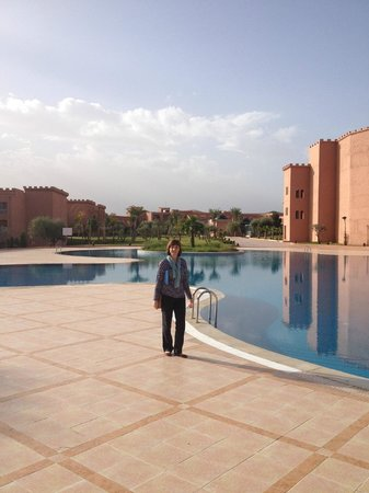 Mogador Palace Agdal: Looking back across pools to reception.
