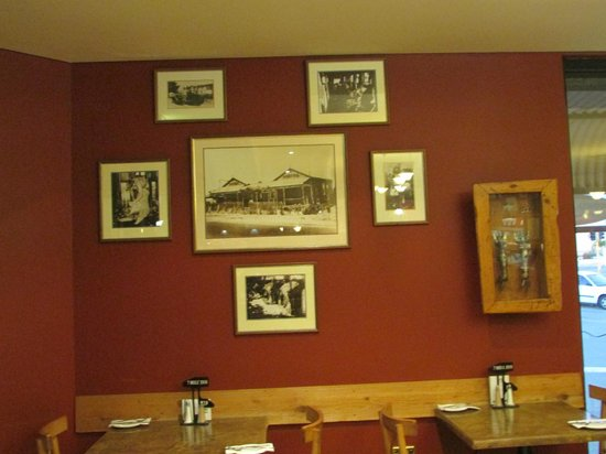 Seven Mile Inn: Display of pictures on the Restaurant Wall