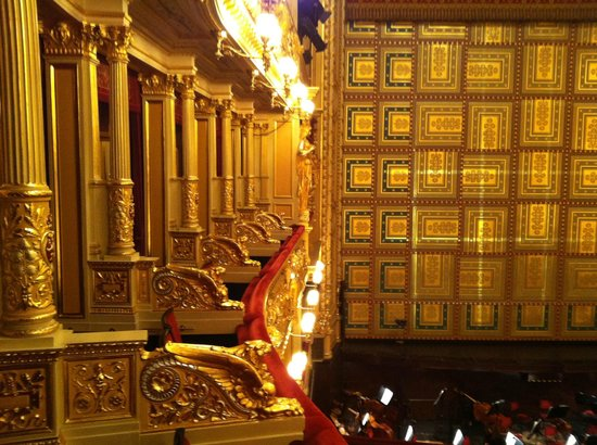 Opera hall picture of national theater prague tripadvisor for Open balcony in a theatre