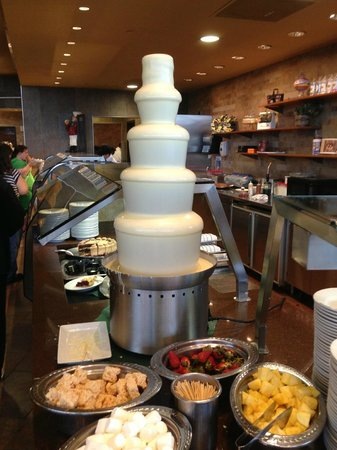 River Spirit Casino Resort: White Chocolate Fountain @ River Spirit Buffet