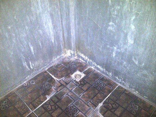 de Rachamanka: Dirty Shower