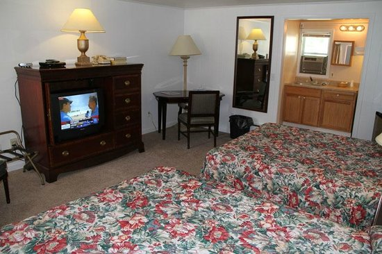 Lodge at Kennebunk Motor Inn: TWO QUEEN EFFICIENCY