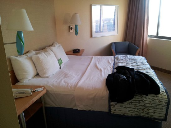 La Quinta Inn & Suites Secaucus Meadowlands: bed was comfortable