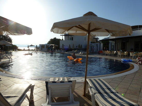 Matina Pefkos Aparthotel: lovely pool