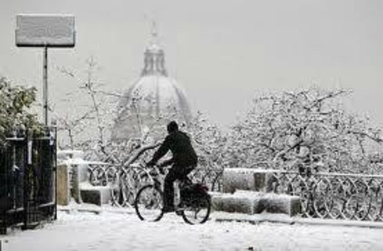 Miriam Guesthouse : Il Gianicolo....e la cupola di San Pietro con la neve!!