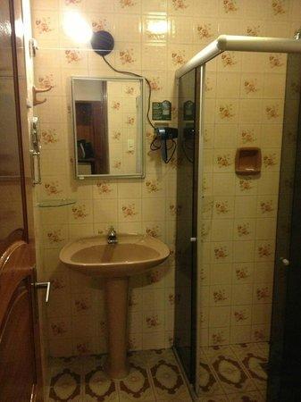 Krystal Hotel Manaus: Banheiro