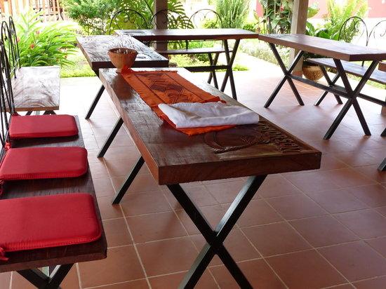 Quinhamel, Guinea-Bissau: Bon apetit