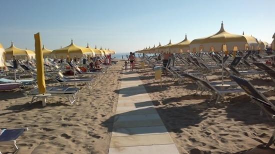 Hotel Caraibi: che bello arrivare la mattina presto in spiaggia....