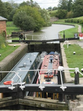 Warwickshire, UK: Nearby lock