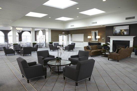 Ethan Allen Hotel: Hotel Lobby