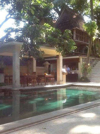 Komaneka at Monkey Forest: hotel pool and area where tea is served