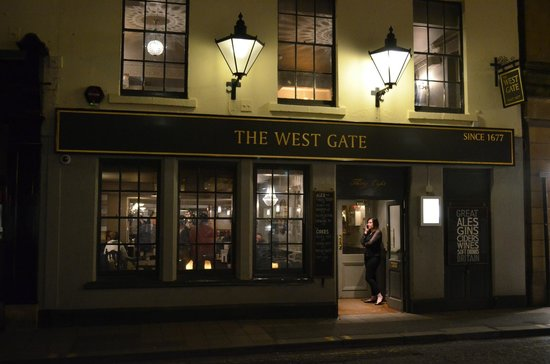 The West Gate Public House: Night scene at The West Gate
