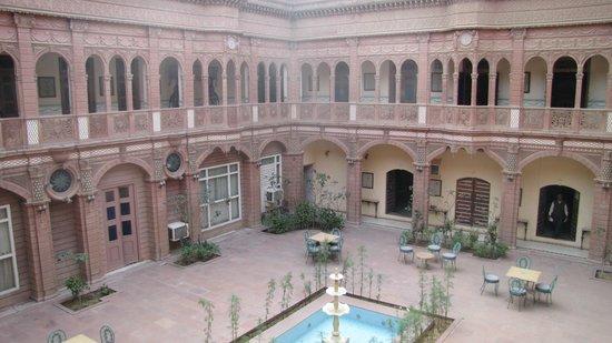 Bhanwar Niwas: la cour intérieure