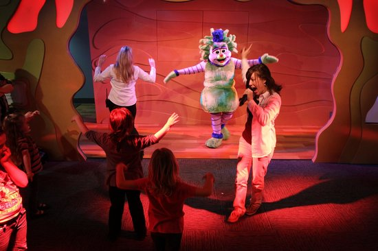Discovery Place Kids-Rockingham: Dancing and singing during Big Fun, the daily dance party