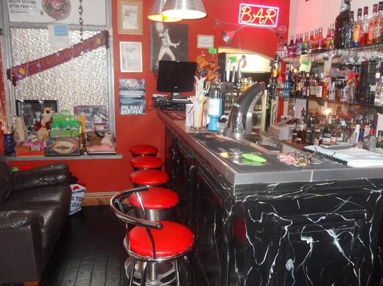 Bradleys Hotel: bar