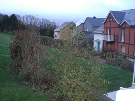 Pierre & Vacances Village Club Normandy Garden: petit coin jardin