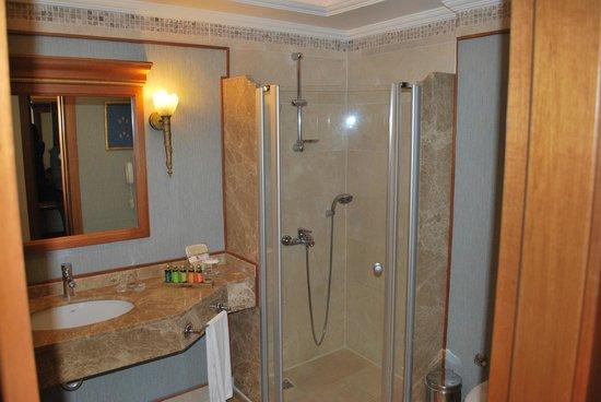 Amara Dolce Vita Luxury: Badezimmer mit Pflegeprodukten