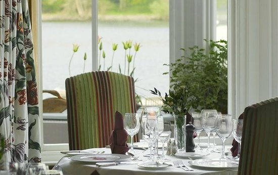 Lakeside Hotel: Lakeview Restaurant offering Fine Dining in our spectacular location