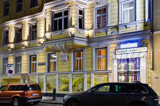Hotel Rathaus Wein & Design: Hotel facade