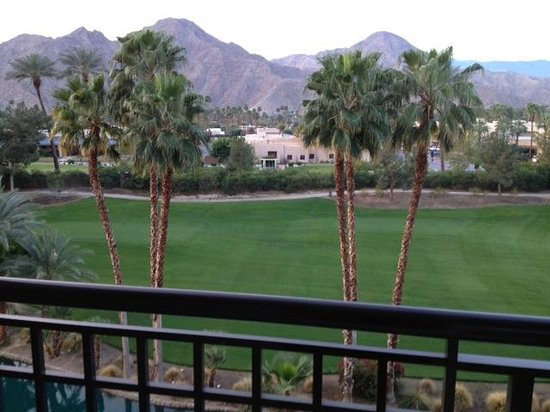 Renaissance Indian Wells Resort & Spa: View from 4057 balcony facing south