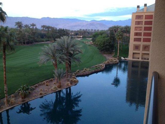 Renaissance Indian Wells Resort & Spa: View from 4057 balcony facing southwest