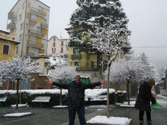 Lake Como: snowing
