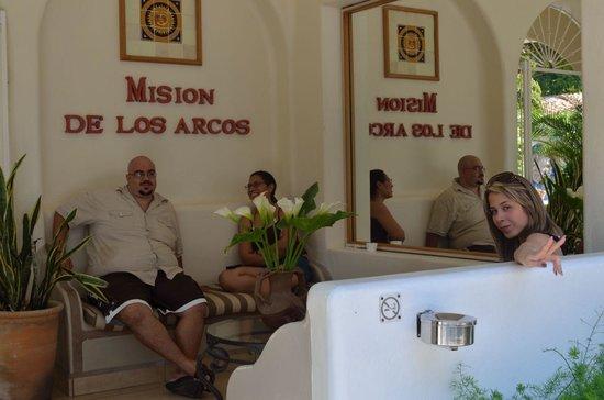 Mision de los Arcos: Lobby