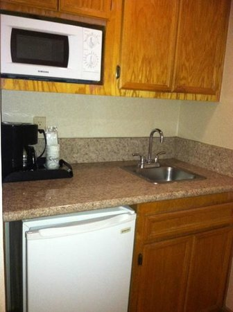 Comfort Inn Moreno Valley near March Air Reserve Base: Two queen beds with wet bar