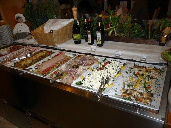 Gartenhotel  Daxer: Part of the buffet.