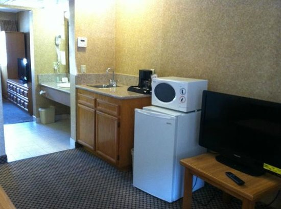 Comfort Inn Moreno Valley near March Air Reserve Base: Suite