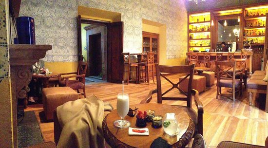Belmond Casa de Sierra Nevada: hotel bar