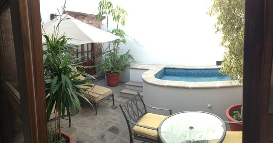 Belmond Casa de Sierra Nevada : private courtyard patio, plunge pool