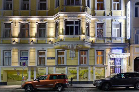 Hotel Rathaus Wein & Design: Our hotel at night
