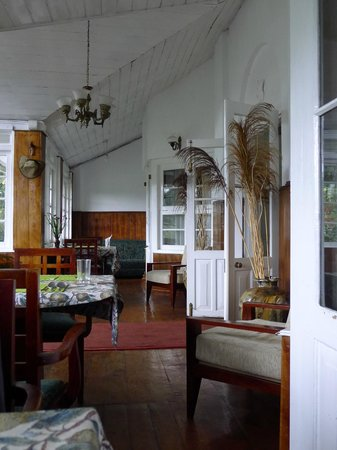 The Trevene Hotel: airy dining area