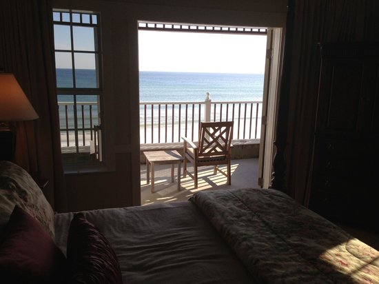 Henderson Park Inn: View looking out room 210