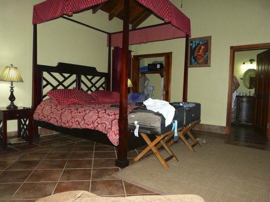 Mystic River Resort: Our room