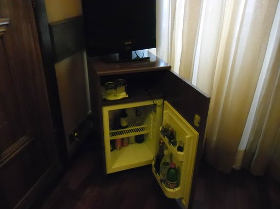 Exe Hotel Della Torre Argentina: frigo
