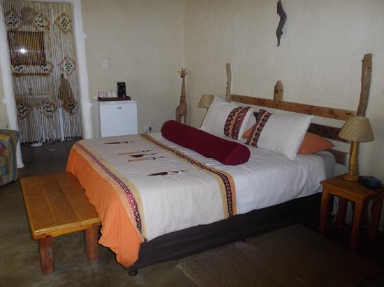 Chrislin African Lodge: room