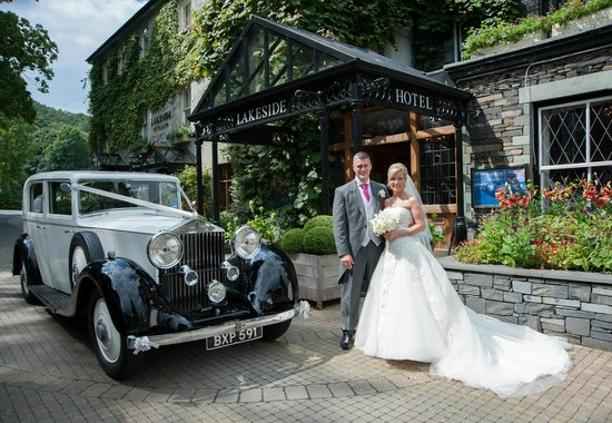 Lakeside Hotel: Superb wedding location...