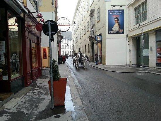 Pension a und a: Street
