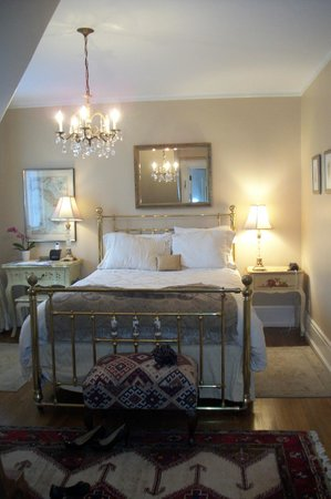 Villa Marco Polo  Inn: The Queen Suite