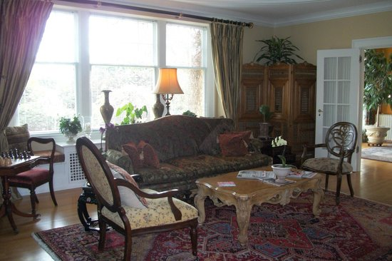 Villa Marco Polo  Inn: Main Sitting Room