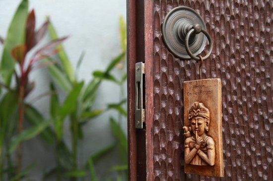 Grania Bali Villas: Do not disturb