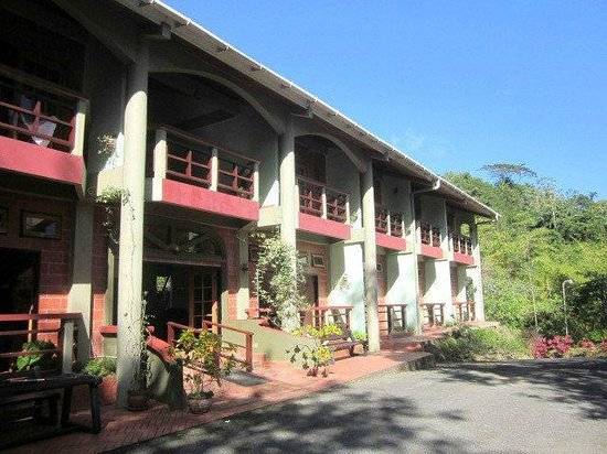 Cuffie River Nature Retreat and Eco-Lodge: Exterior of the hotel. My room was just about the entrance.